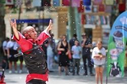 2. 6. 2018., Zagreb - Nastup francuskog performera Bubble man u sklopu festivala Cest is d best na Zrinjevcu. Photo: Borna Filić/PIXSELL