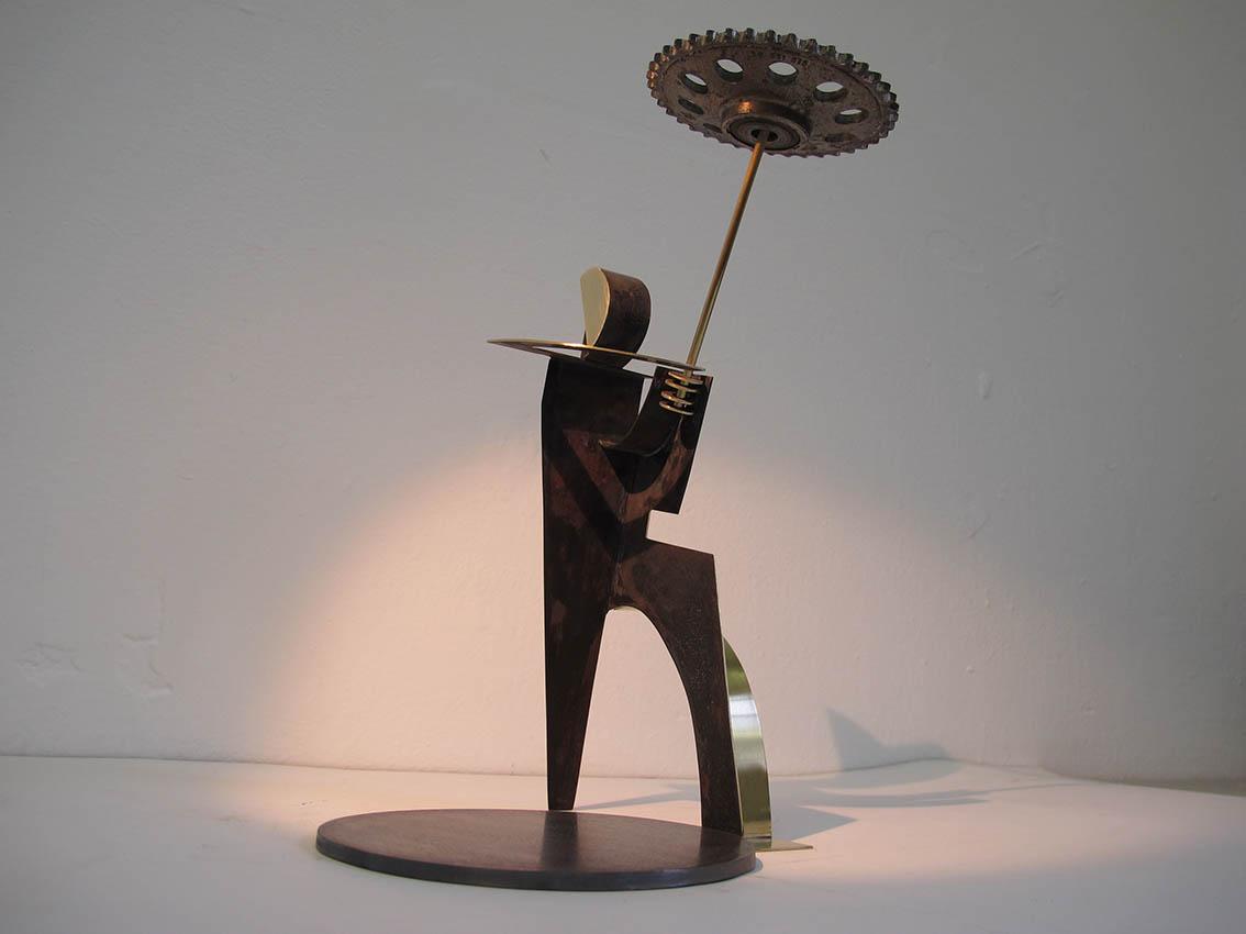 ''Tanjurić'', iz serije radova ''Žongleri'', mesing i željezo, 31.5 x 20 x 21 cm, 2018.