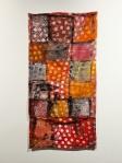 Monika Cvitanovic Zaper, ''Majka-kći'', akril i konac na recikliranoj jastučnici, 95,5x52,5 cm
